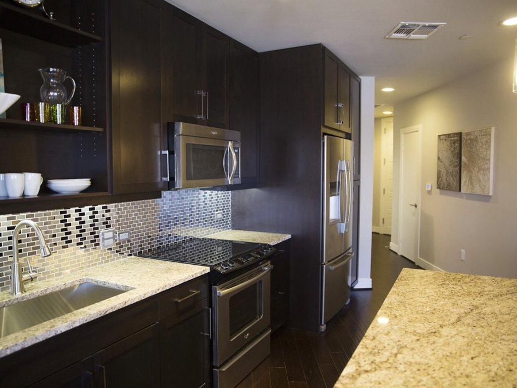 One Dallas Center: High Rise Apartments in Downtown Dallas, TX