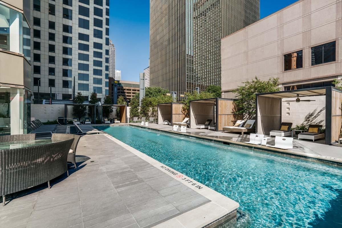 Downtown Dallas High Rise Apartments