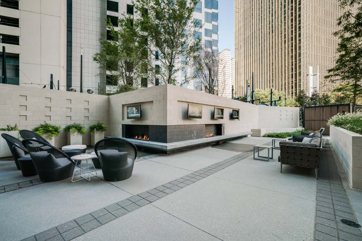 One Dallas Center | High Rise Apartments in Downtown Dallas